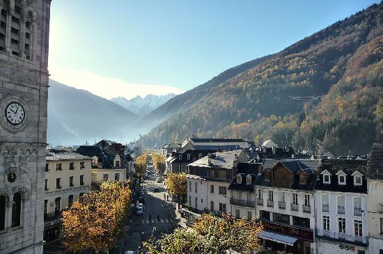 Bagneres-de-Luchon, Frankrike: Allées d'Etigny