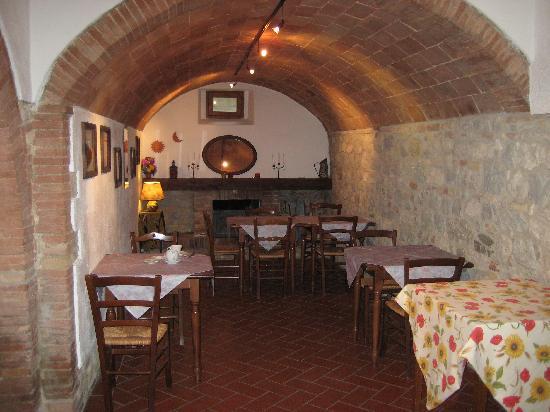 Podere Montese: cosy breakfast area