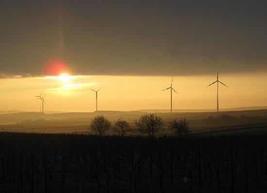 Jedenspeigen : Wegen des Öl- und Erdgasvorkommens schon Energielieferant, ist heute die iWindkraft bedeutend
