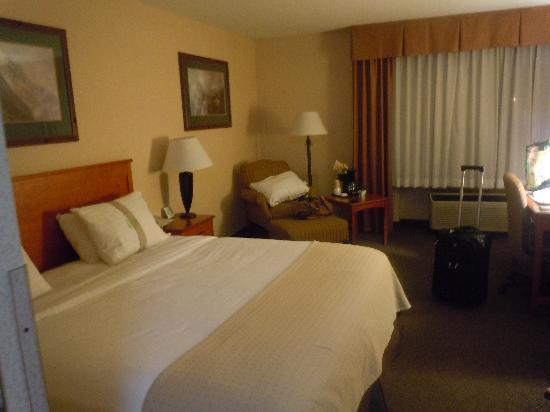 Holiday Inn Bozeman : double room