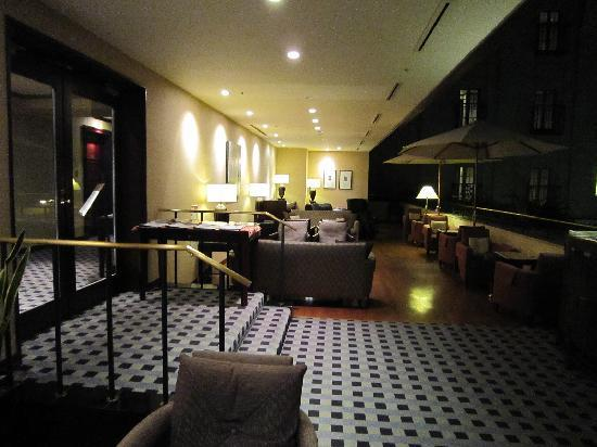 Mito Plaza Hotel : リラクゼーションラウンジ、宿泊者は誰でもワンドリンクサービス