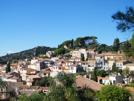 Bormes-Les-Mimosas, Francja: le village de bormes les mimosas