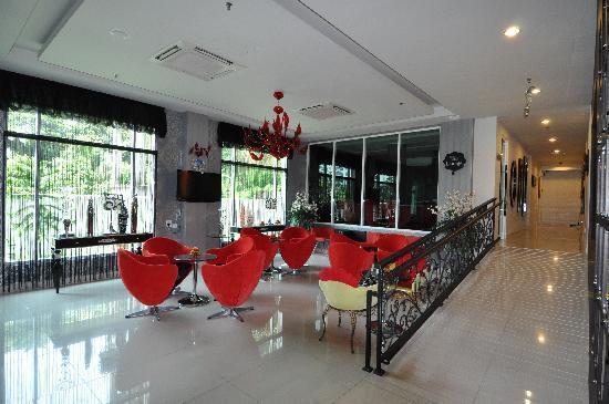 Arenaa De Luxe Hotel: Lounge area