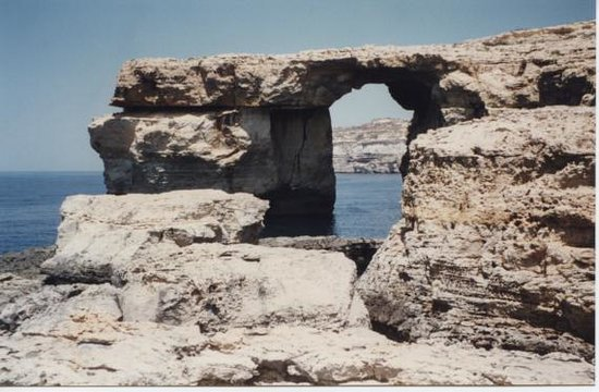 Cliffs of San Lawrenz and Dwejra: Azure window (1996)