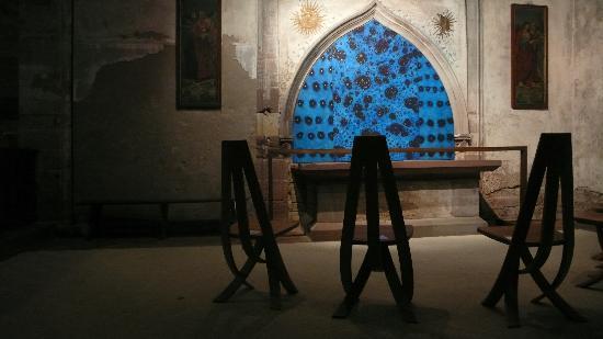Strasbourg, Frankrike: Del Sole e della Luna nella protestante Eglise Saint pierre le Jeune