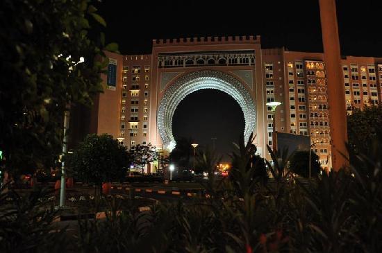 Movenpick Ibn Battuta Gate Hotel Dubai : IBN Battuta Gate