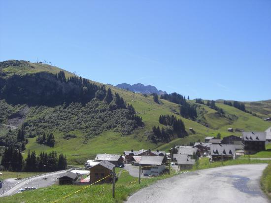 Hotel l'Etable : vue sur le hameau