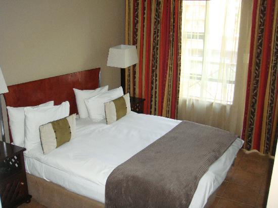 Hatfield Apartments: Bedroom