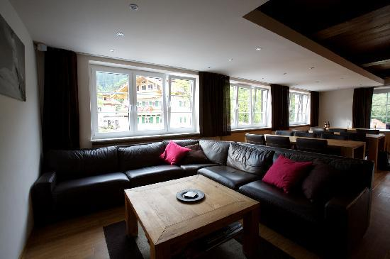 The Carnegie Alpenrose: Lounge and Bar