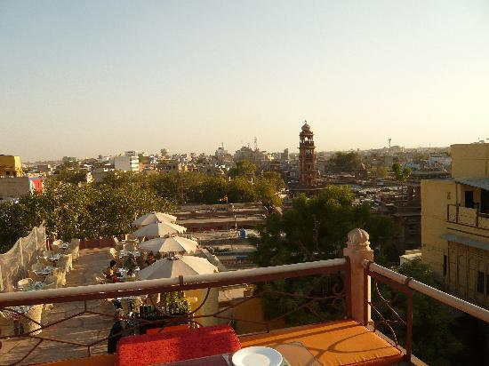 Pal Haveli : Roof Restaurant