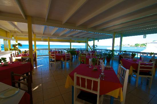 Anchorage Hotel & Dive Center: Restaurant mit Meer Sicht