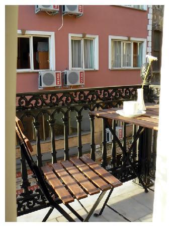 Hot Suites Taksim: Balcony.