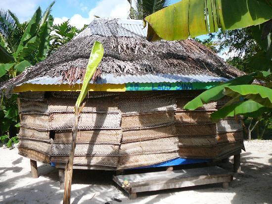 Tanu Beach Fales : Fale