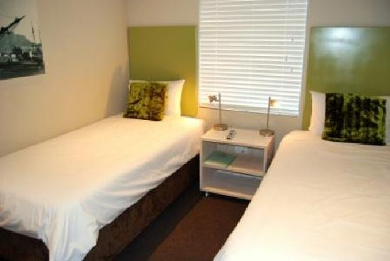 Ashanti Lodge Green Point - Twin Room
