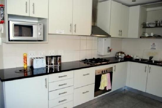 Ashanti Lodge Green Point - Self-catering kitchen
