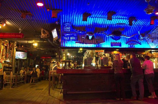 Bojangles Saloon & Restaurant. : Bar
