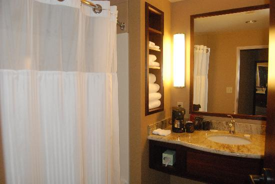 Seven Feathers Casino Resort: bathrooms