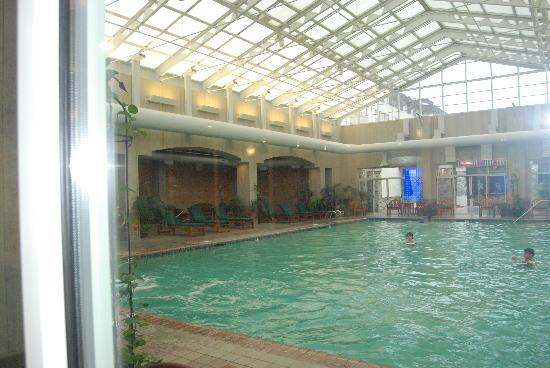 Seven Feathers Casino Resort: indoor pool