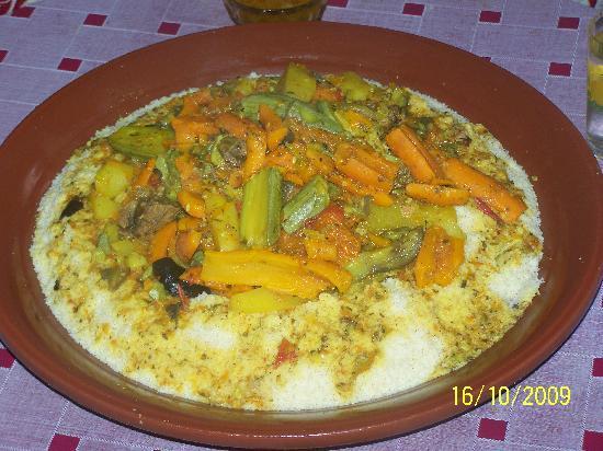 Taroudant, Fas: couscous marocain maison