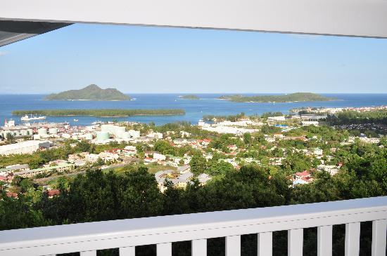 Le Sans Souci Guesthouse : 180 degree view over the harbour, bay and islands