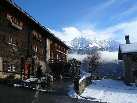Maiensässhotel Guarda Val: Blick aufs Rothorn