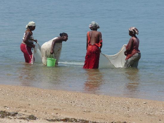 Sakatia Lodge: Women Fishing