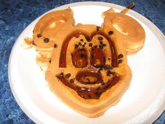Comfort Suites Maingate East: Mickey Mouse Waffle