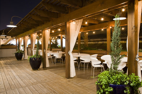 Boatyard Restaurant: Take in the view from the upstairs open air deck