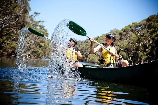 Margaret River Discovery Co. Tours: Splashing on the Margaret River