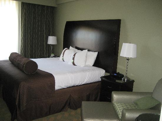 Holiday Inn Rock Hill: Our Bed