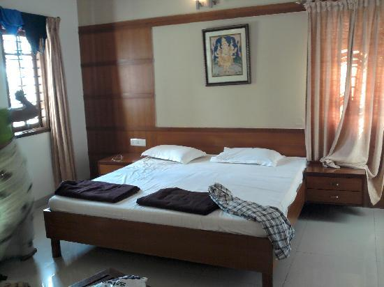 SRI PADMAVATHI GUEST HOUSE (Tirupati) - Guesthouse Reviews & Photos