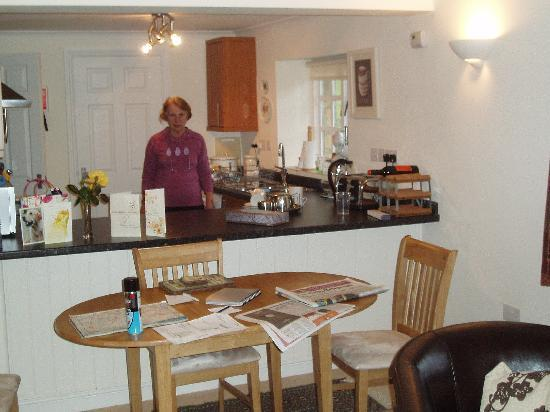 Broadway Manor Cottages: The Kitchen