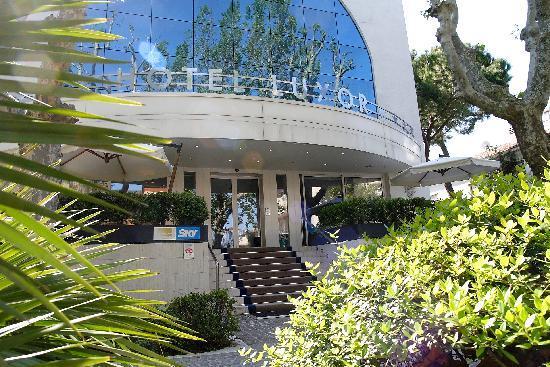 Luxor Hotel Rimini: Benvenuti all'Hotel Luxor.