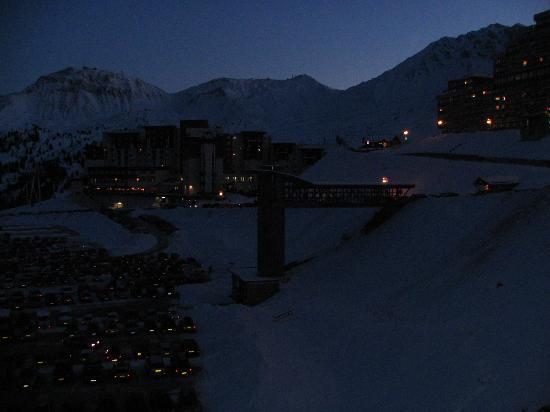 Pierre & Vacances Premium Residence Les Hauts Bois: Night view