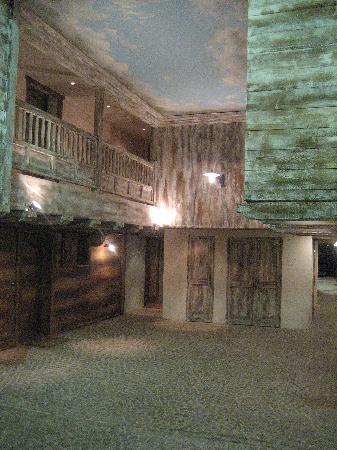 Pierre & Vacances Premium Residence Les Hauts Bois: The gangway