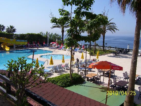 Antalya Adonis Hotel : bahçe2