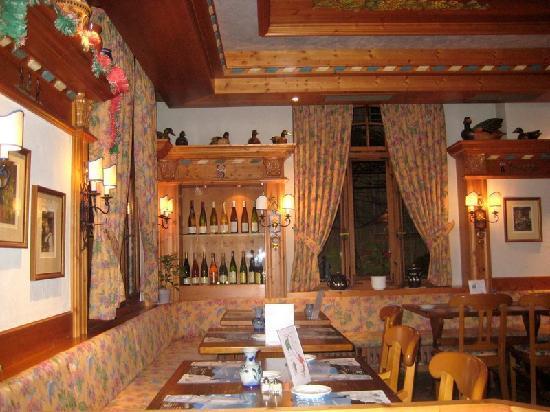 Niederbronn-Les-Bains, France : Salle du restaurant
