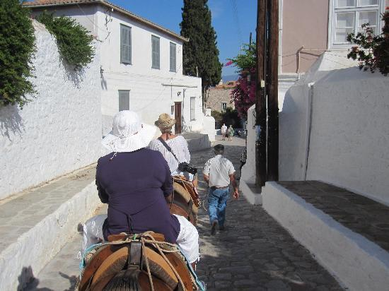 Agios Konstantinos (Church of St. Constantine): The Donkey Approach