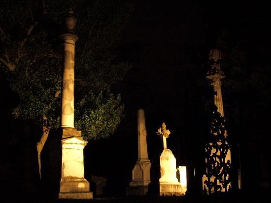 Natchez, MS: The cemetery is hauntingly beautiful at night