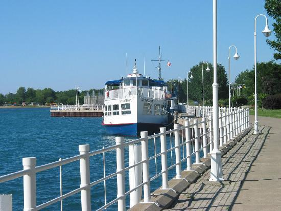 Duc d'Orleans II Cruise Boat - Day Tours : Our dock at Centennial Park in Sarnia Bay