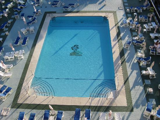 Yaramar Hotel: The pool from 6th floor