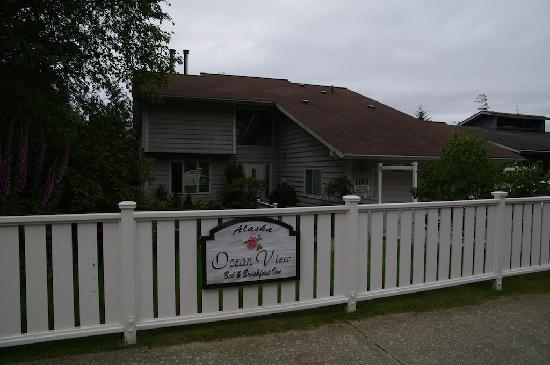 Alaska Ocean View Bed & Breakfast Inn: La maison