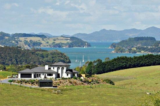 Kerikeri, Yeni Zelanda: Swallows Ridge overlooking the Bay of Islands