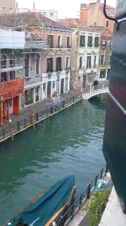 Hotel Locanda Salieri: Canal View - room nº7