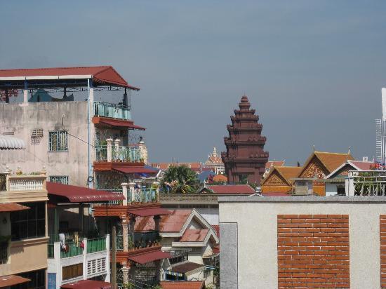 Anise Hotel: Blick vom Balkon auf Independence Monument