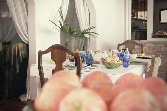 Marica B&B: Breakfasttable