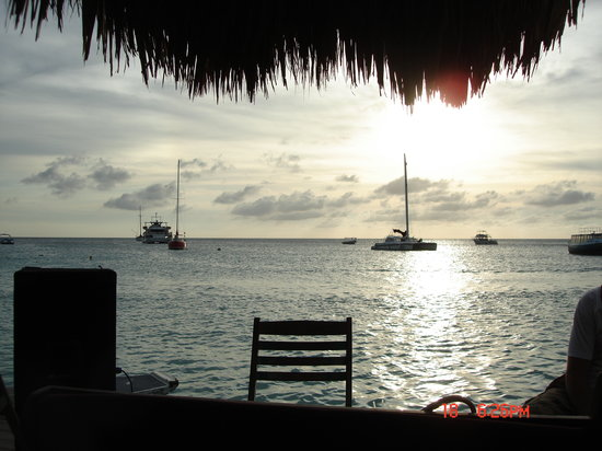 Bugaloe Beach Bar & Grill: some of the view from the bar