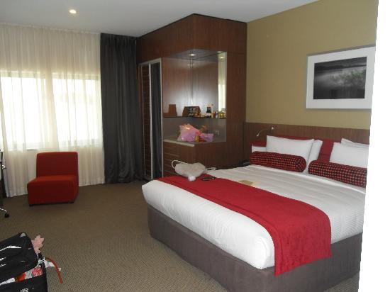 Mercure Sydney Liverpool: standard room