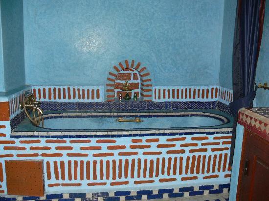 Riad et Dar Maison Do: Une des salles de bains du riad Maison Do