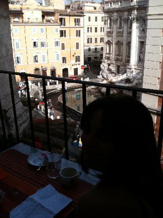 Relais Fontana Di Trevi: Early morning on the breakfast terrace